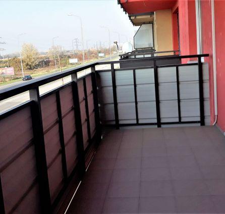 1 izbový / zariadený byt - s veľkým balkónom - výborná dostupnosť a parkovanie -  Petržalka - Vyšehradská