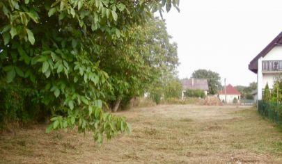 Pozemok v obci Parchovany