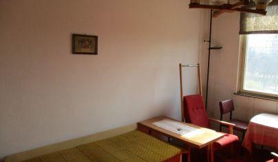NITRA 1 izbový byt 36 m2 pôvodný stav Chrenová