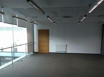 MAXFIN REAL -  Veľká reprezentatívna kancelária v Krškanoch