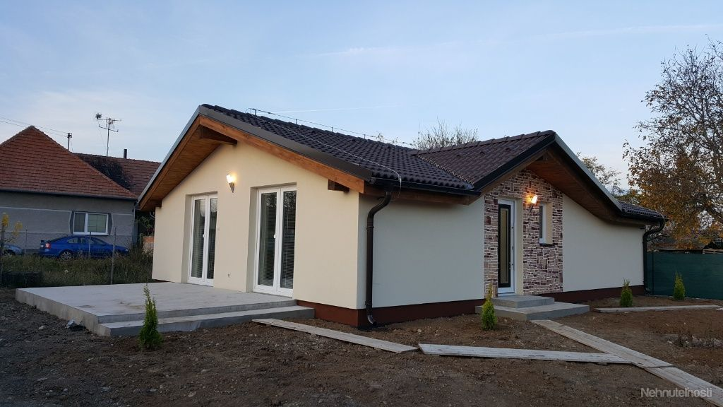 5bc9547c4 Ponúkame na predaj NOVOSTAVBU rod.dom Branč ( 177-12-LUZ )