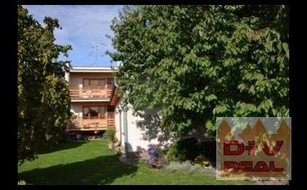 Predaj: Šamorín, priestranný dom s veľkým krytým bazéno a záhradou v tichom prostredí