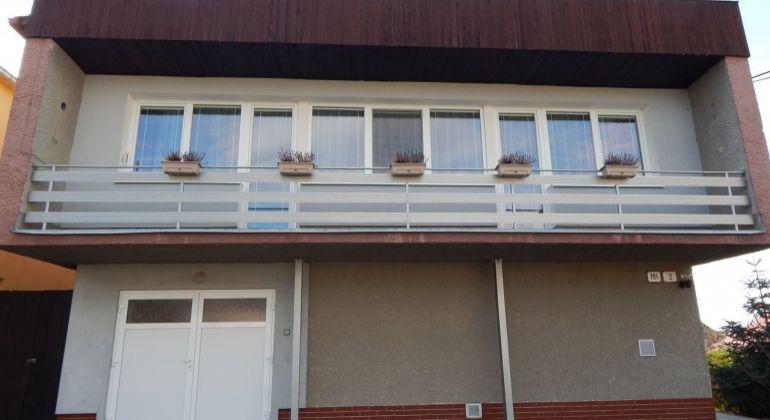 Exluzívne-Na predaj 4-izbový rodinný dom, 722 m2, Lehota Pod Vtáčnikom, okres Prievidza
