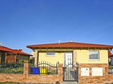 JJ Reality - ZĽAVA 15.000 € / nadštandardný 4 izbový bungalov v Lodenici /Piešťany/