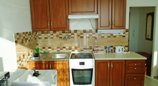 Ponúkame na predaj 1 izbový byt v príjemnom  prostredí v Šahách