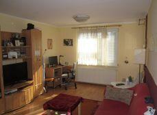 Ponúkame Vám na predaj zariadený 3 izbový byt na Bieloruskej ulici, BA II - Podunajské Biskupice