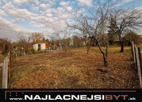 Najlacnejsibyt.sk: BAIII - Rača - Bojnická ul., 402 m2, záhrada v osobnom vlastníctve