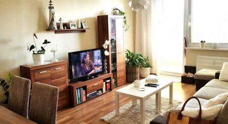 Ponúkame na VÝMENU veľký 2-izbový byt v Štúrove.