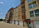 Predaj zariadeného 3i bytu v slovenskej novostavbe; garáž + stojisko