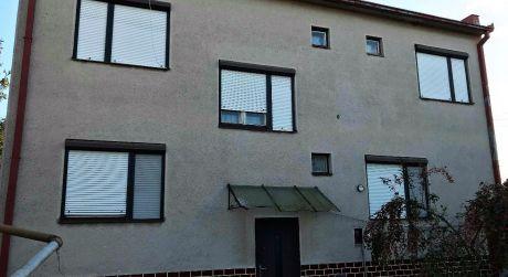 Predaj - 5 izbový poschodový rodinný dom v pôvodnom stave s výhľadom na Dunaj v Radvani nad Dunajom