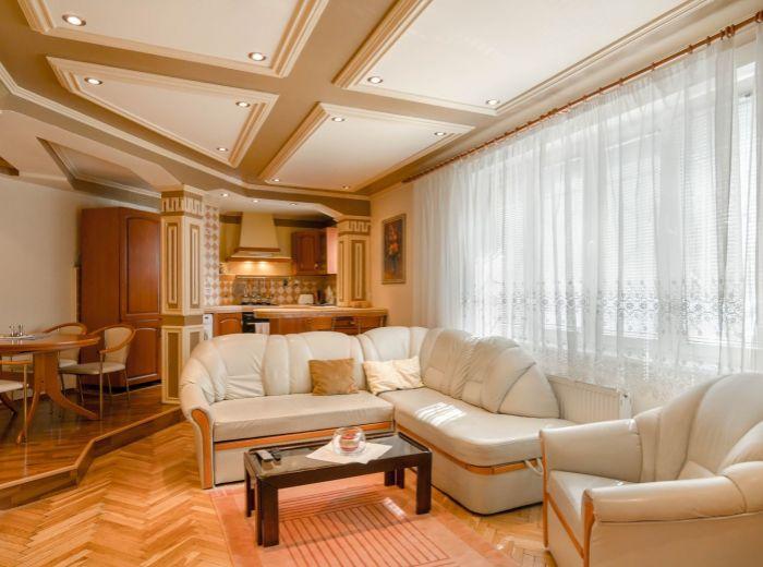 DOBROVIČOVA, 3-i byt, 74 m2 – REPREZENTATÍVNY BYT s parkovacím státím v STAROM MESTE