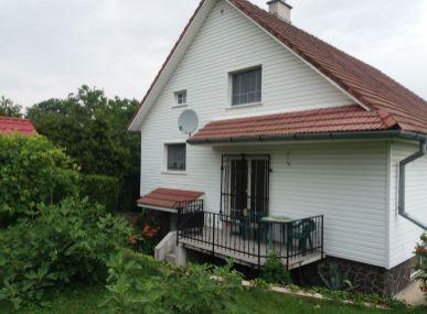MAXFIN REAL na predaj pekný, priestranný  4 izb. rodinný dom len 9km od Nitry v Cabaji