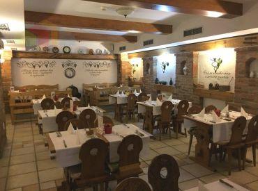 Reštaurácia-vináreň v priamom centre mesta Piešťany