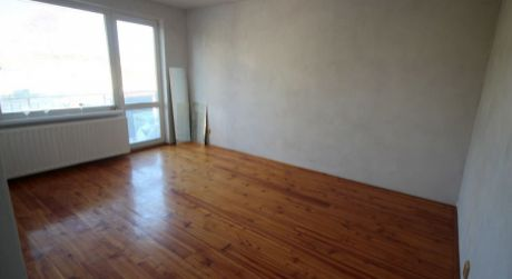 Rezervované* 3 izbový byt po rekonštrukcii v Tovarníkoch so záhradkou, balkónom a  pivnicou.