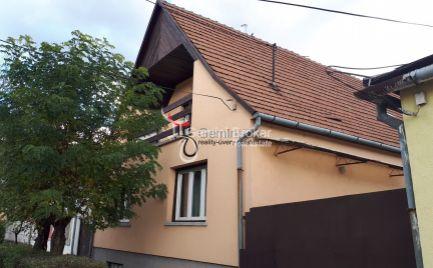 GEMINIBROKER Vám ponúka na predaj dvojpodlažný rodinný dom v obci Sátoraljaújhely