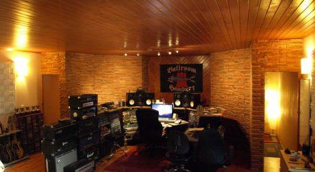 Predaj rodinného domu s  profesionálnym nahrávacím štúdiom, Zvolenská Slatina