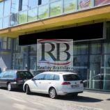 Obchodný priestor aj so skladom, v blízkosti Figara, 2 x 142 m2