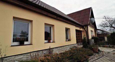 Na predaj veľký rodinný dom, rekonštrukcia, 2x garáž, záhrada, 923 m2, Dolné Srnie