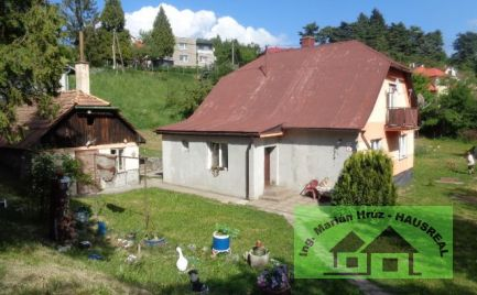 Pekný poschodový dom, 200 m2, garáž, dielňa, letná kuchynka, 15 árový pozemok, Banská Štiavnica