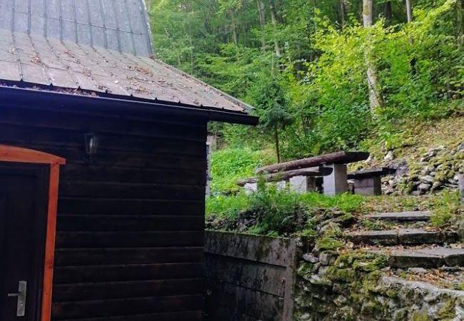 Top Ponuka !!! Predaj chaty pri rybníku v lokalite Sklené Teplice. (267-13-LOS )