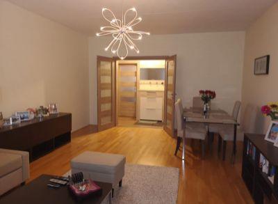 Areté real, Predaj pekného priestranného tehlového 3-izbového bytu s balkónom v dobrej lokalite v Pezinku