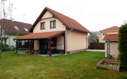 Predám atraktívny 4-izbový dom v Chorvátskom Grobe (Čierna voda)