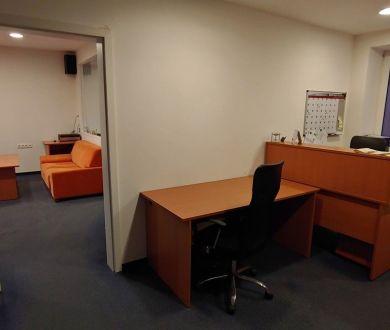 Ponúkame na prenájom nadštandardné kancelárske priestory v centre mesta Považská Bystrica.