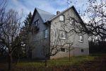 Rodinný 4 izbový dom v obci Kolačno na peknom pozemku s ideálnymi rozmermi 36 x 36 m a dostatkom ďalšieho priestoru ako v dome, tak aj na pozemku