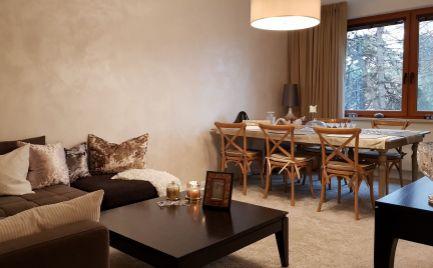 Predám 4-izbový byt pri parku a centre v Nitre.