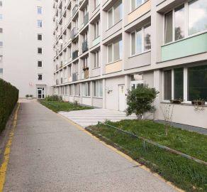 StarBrokers - EXKLUZÍVNY PREDAJ - 2 - izbový byt - novostavba , Pod. Biskupice, ul. Závodná, čiastočne zariadený