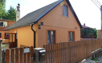 Na predaj 4 izbový podkrovný rodinný dom v lokalite Ahoj na Lopeníckej ul.