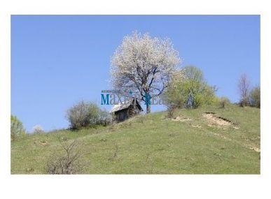 MAXFIN REAL - hľadáme pre klienta chatu, chalupu v okrese Banská Bystrica.