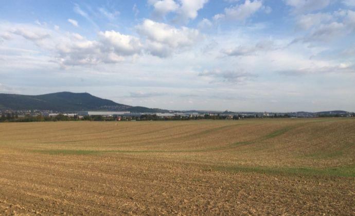 EXKLUZIVNE !.. 59,91 árový pozemok v obci Lužianky, časť Holotka