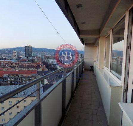 StarBrokers - Predaný!  Predaj 4-i tehlového bytu 100 m2 na Miletičovej ulici, veľká logia 12 m2 do dvora s výhľadom na Bratislavu, garáž neďaleko