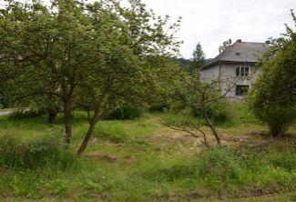 EXKLUZÍVNE! - Predaj 3 izbový rodinný dom 998 m2,  v tichej lokalite mesta Handlová