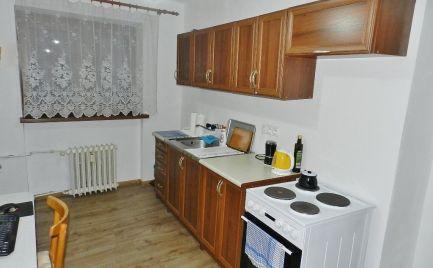 Dvojizbový tehlový byt s balkónom, Handlová