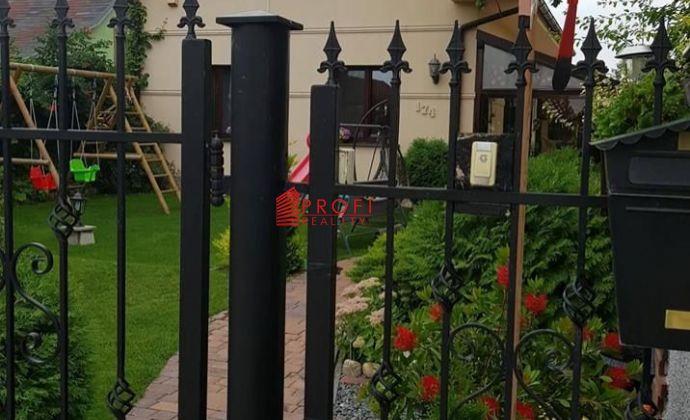 Znížená cena !!! Rodinný dom vo Vieske