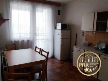 3-izb.byt /68 m2/ s loggiou a pivnicou, sídl. Dubnička, Bánovce n/B.-predaj