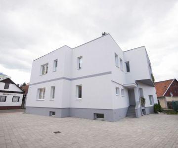 Nájomný dom / penzión v centre Liptovského Mikuláša na predaj.