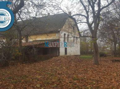 EXKLUZÍVNE! MAXFIN REAL na predaj usadlosť s rozsiahlym pozemkom 11360m2 len 18km od Nitry- Štefanovičová
