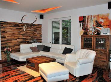 Stačí sa len nasťahovať - exkluzívny, kompletne zariadený 5-izbový dom s dvojgarážou