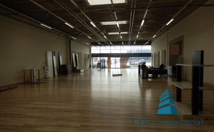 Obchodný priestor na prenájom, 500 m2
