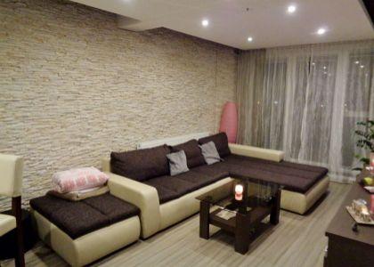 DOMUM - Moderný 2i byt, centrum NM, 50 m2, garáž, terasa 16,5m2, zariadenie