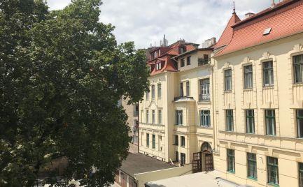 3,5 izbový HOLOBYT s VYSOKÝMI STROPMI v STAROM MESTE na Štetinovej