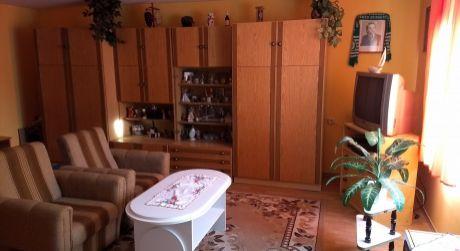 1 - izbový byt 43 m2 v uzatvorenom objekte  - Rajka