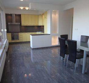 StarBrokers – Prenájom 3-izbového moderného bytu v Ružinove s parkovaním