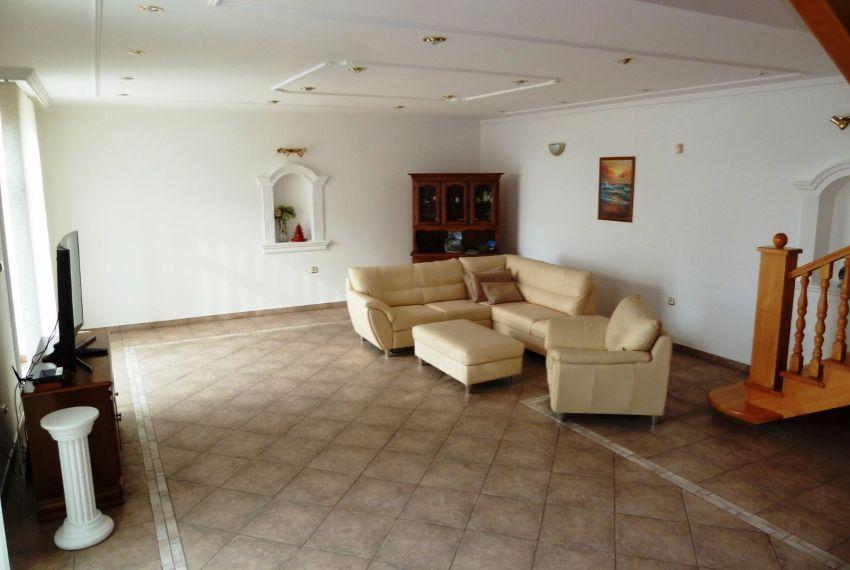Predaj Rodinné domy Slovenské Ďarmoty-9