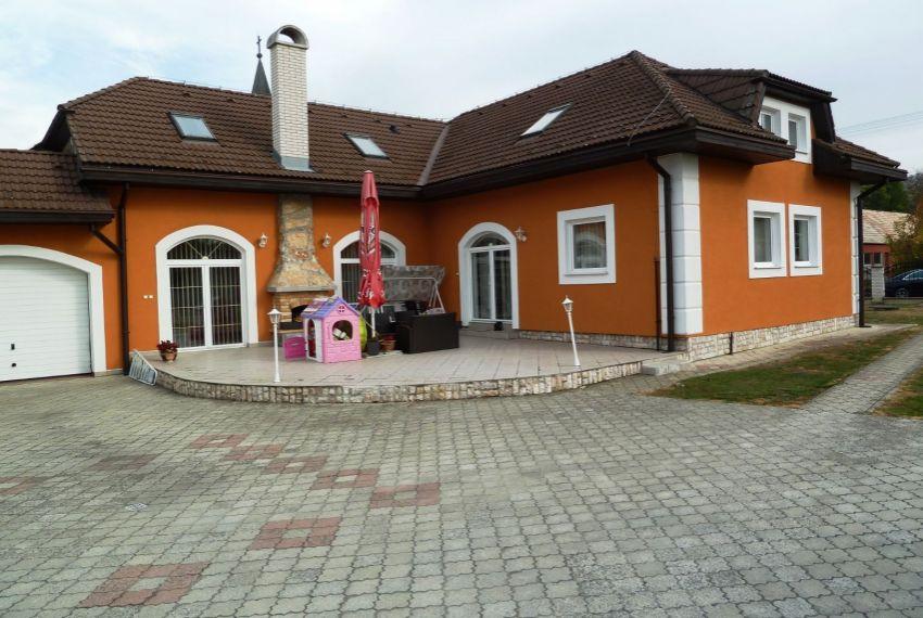 Predaj Rodinné domy Slovenské Ďarmoty-3
