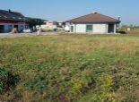 --PBS-- Stavebný pozemok o výmere 763 m2 so všetkými IS v obci VODERADY