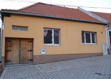 DOMUM - Bezbariérový 5i Rodinný dom, centrum - Nové Mesto n/V